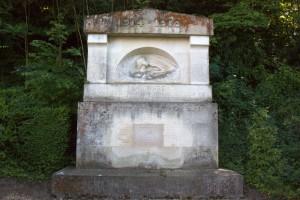 Monument aux morts Domaine de Grignon